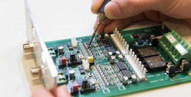 Ingeniería Electrónica – ¿Vale la pena? ¿Es de noche? ¿Ganaré dinero?