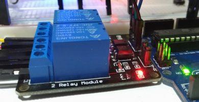 Módulo de relé de 5V y 2 canales controlado por Arduino