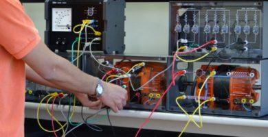 Circuitos Eléctricos Trifásicos – Fases, cálculos y ejercicios resueltos