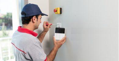 ¿Cómo instalar una alarma domiciliaria fácilmente?