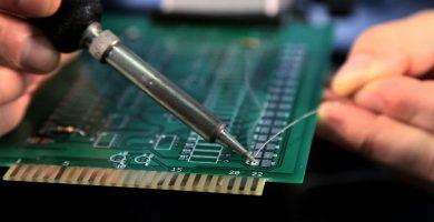 Cómo soldar componentes electrónicos – Athos Electronics